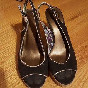 Tahari Shoes - Tahari heels